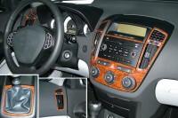 Decor interiéru Kia Cee'd -- od roku výroby 1/2007- (pro modely s manuální klimatizací nebo bez klimatizace) umístění palubní deska - 8 dílů